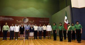 Realiza UJAT homenaje cívico por Centenario de la Constitución