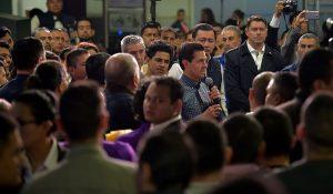 Recibe Peña Nieto a mexicanos repatriados de los Estados Unidos de América