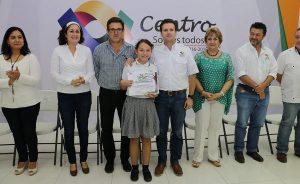 Entrega Gaudiano reconocimientos a alumnos que rescataron una ceiba