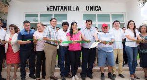 Inaugura Laura Fernández ventanilla única en Leona Vicario