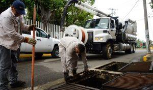 Casi 2 mil 700 fugas de agua han sido atendidas en Centro; exhortan a reportarlas