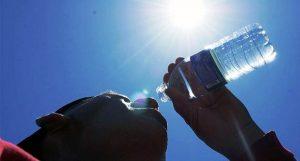 Recomienda Salud mantener el cuerpo hidratado en esta temporada de calor