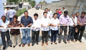 Inaugura Gaudiano pavimentación de la calle Río Seco en la colonia Casa Blanca 2da sección