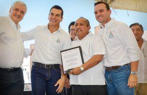 Se construyen en Campeche más de dos mil 665 casas: Alejandro Moreno Cárdenas