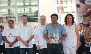 Atestigua Gaudiano entrega de apoyos de EDIFICA