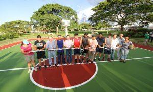 Cumple Gaudiano su palabra y entrega segunda cancha de basquetbol en el parque La Choca