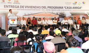 Constata Gaudiano apoyos de vivienda a los habitantes de Centro