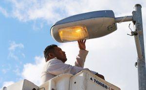 Más de 4 mil 800 luminarias reparadas en Benito Juárez: Remberto Estrada