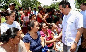 Disminuimos la desigualdad para la gente con menos recursos en Quintana Roo: Carlos Joaquín