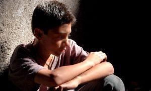 Aislamiento, irritabilidad y rechazo a asistir a la escuela, síntomas de bullying