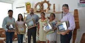 Delibera jurado sobre premiación a artesanos
