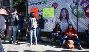 Estudiantes cerraron por horas el área de Ciencias de la Salud de la UV