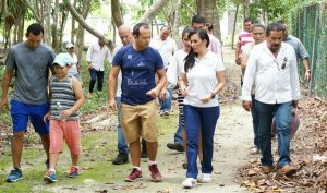 Encabeza Laura Fernández jornada de limpieza y reforestación de unidad deportiva