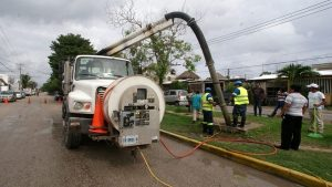 Suman más de 400 acciones de mantenimiento en pozos de absorción en Puerto Morelos