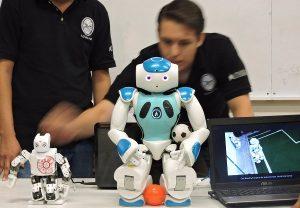 Convoca UNACAR a participar en Torneo de Robótica