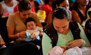 Registran 3 quejas por prohibir lactancia materna en público, en Xalapa