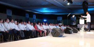Asiste Rolando Zapata Bello al Primer Informe de Gobierno de Quintana Roo
