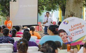 Convive Gaudiano con vecinas de Estanzuela a propósito del Día Naranja