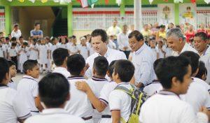 Exhorta Gaudiano a alumnos de primaria a no tirar basura en las calles