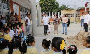 Supervisa Gaudiano construcción de techumbres para tres jardines de niños en Gaviotas Sur