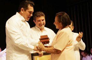 Gobernador y alcalde entregaron premio San Francisco de Campeche 2017