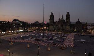 Ofrenda monumental de Zócalo de CDMX una tradición que dialoga con el arte contemporáneo