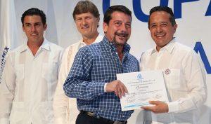 En Quintana Roo hay estabilidad, confianza y legalidad: Carlos Joaquín
