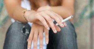Contenidos químicos en cigarros adelantan menopausia en mujeres: Pérez Barba