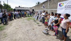 Encabeza Gaudiano banderazos a canchas de fútbol rápido en Guineo y Luis Gil Pérez