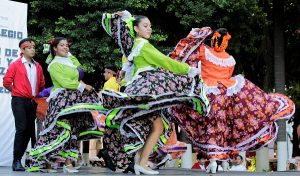 """Presentaron el espectáculo de danza """"Sones y colores de Veracruz"""""""