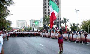 Refuerza Transito información ante el cierre de calles por Maratón nocturno en Cancún