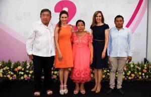 Asiste Christelle Castañón de Moreno al II Informe de actividades de la presidenta del DIF Calkiní