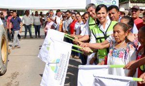 Gobierno de Puerto Morelos pone en marcha construcción de modernas calles en leona Vicario