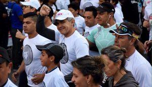 Nuestro país está de pie, destaca Jefe de Gobierno al participar en «Corro X México»
