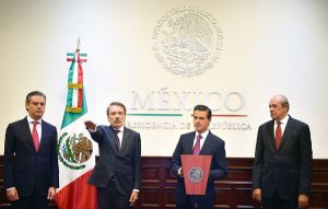 Toma protesta como Director General del IPN, Mario Rodríguez Casas ante Peña Nieto