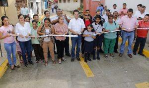 Habitantes del sector Isabel de la Parra, en San Joaquín, tienen iluminación después de 29 años