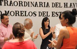Entrega gobierno de Puerto Morelos iniciativa de Ley de ingresos 2018 a la XV Legislatura