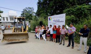 Lleva Gaudiano inversión de casi 16 millones a Ixtacomitán para construir calles y callejones