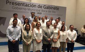 Alcalde electo de Boca del Río presenta su gabinete municipal