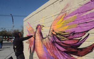 Trabaja Gobierno de CDMX en imagen urbana de Eje 1 Norte con pintura y grafiti artístico