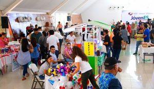 """Realiza Centro exposición de Jóvenes Emprendedores en el """"Tomás Garrido"""""""