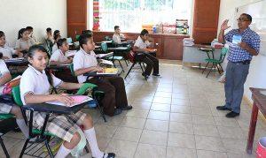 Regresan a clases estudiantes de nivel básico en Tabasco