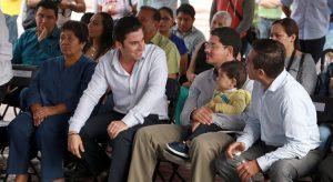 Fomenta Remberto Estrada buen gobierno y apoyo a la economía familiar