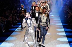 Canta Maluma en la pasarela de Dolce & Gabbana