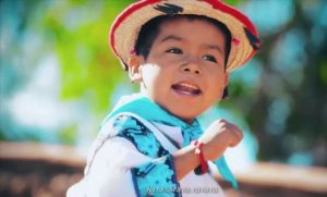 """Yuawi, el niño del spot viral de """"Movimiento naranja"""""""