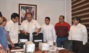 Entrega secretaria de Salud equipos de alcoholimetría a Seguridad Publica en Campeche