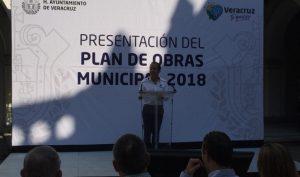 Anuncia edil 1 mil 600 mdp en el Plan de Obras Municipal 2018 de Veracruz