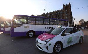 Arrancan en CDMX nuevos buses para Eje 5 y 6 Sur y taxis híbridos