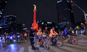 Asisten 55 mil personas a paseo nocturno en bicicleta en CDMX