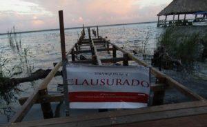 Clausura PROFEPA construcción de muelle de madera al interior de la Laguna de Bacalar